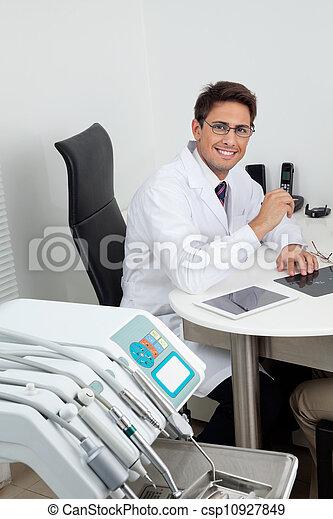 dental, klinik, tandläkare, lycklig - csp10927849
