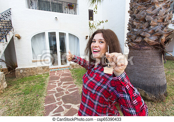verklig, begrepp, egendom, stämm, hus, -, ung kvinna, färsk, främre del, hem, egenskap, lycklig - csp65390433